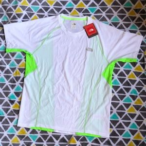 🎊NWT🎊 North Face Performance Tee